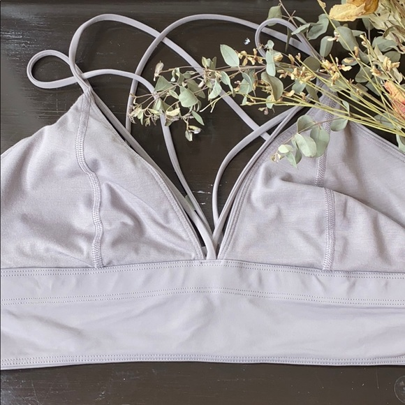 lululemon athletica Accessories - Lululemon Delicate Fashion Sport-Bra